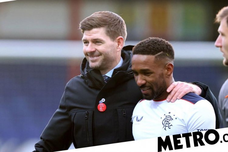 Steven Gerrard speaks out on Jermain Defoe staying at Rangers